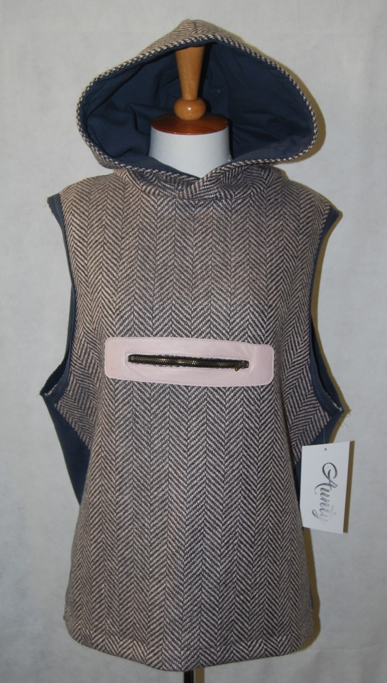 Sleeveless over vest